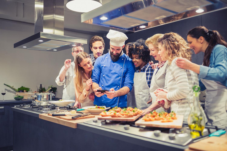 Participer à un cours de cuisine : tout ce qu'il faut savoir.