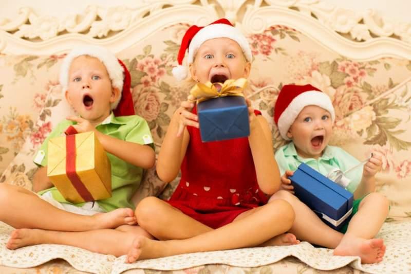 Cadeaux de Noël : pourquoi vous devez les ouvrir le 24 Décembre... ou pas !
