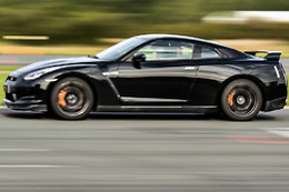 Pilotage d'une Nissan GTR 20, Mustang Shelby GT500 ou Audi R8 - Motors Consulting - Trappes 78