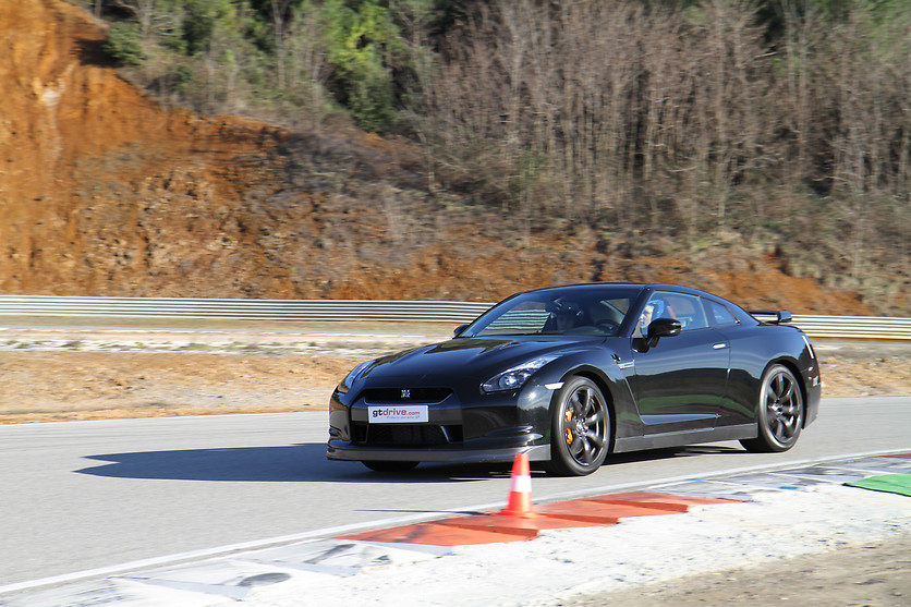 Pilotage d'une Audi R8 ou Nissan GTR ou Jaguar F-Type SVR - GT Drive - Circuit Paul Ricard Driving Center (83) - photo 3