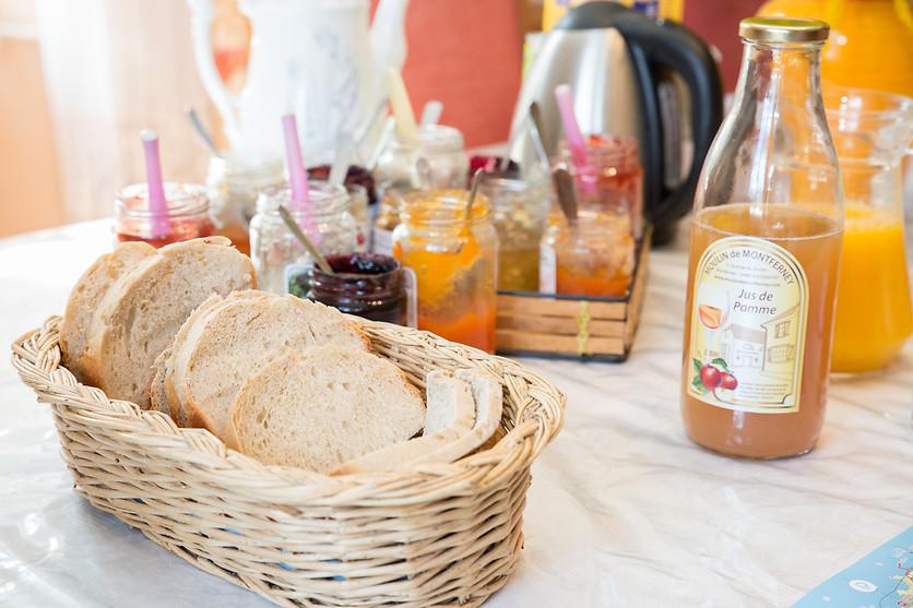 S jour gourmand pour 2 au moulin de montferney rougemont - Wonderbox sejour prestige table d hotes ...