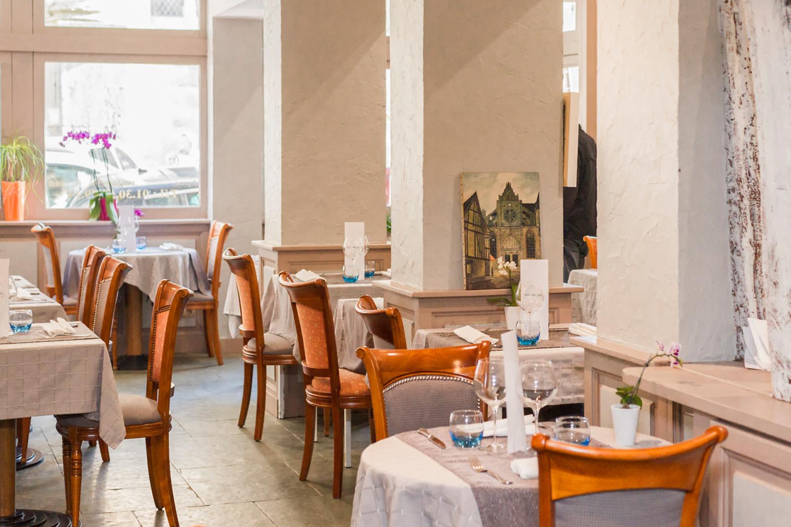 En Repas En Duo Au Restaurant Le Donjon A Houdan 78