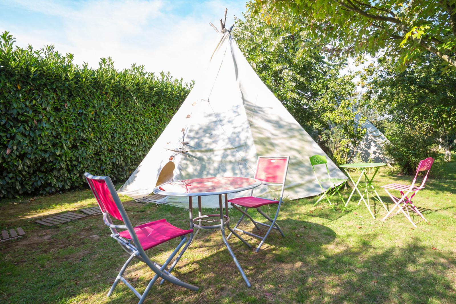 s jour en tipi pour 2 au camping de lang tre saint gildas des bois 44 wonderbox. Black Bedroom Furniture Sets. Home Design Ideas