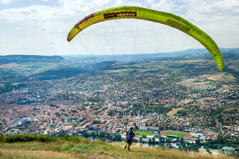 Vol en parapente - Acrobi Parapente - Millau (12) - photo 0