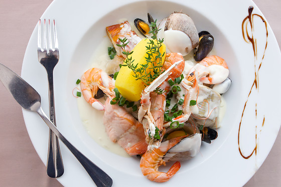 Repas en duo l 39 h tel restaurant bellevue mers les for Wonderbox cuisine