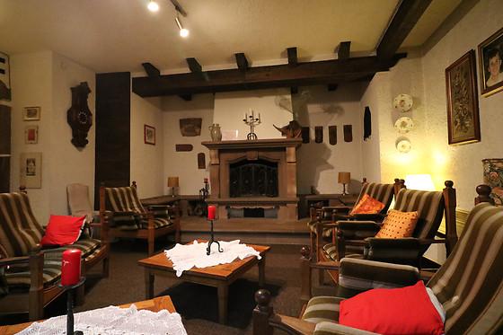 nuit en duo l 39 h tel restaurant des vosges la petite. Black Bedroom Furniture Sets. Home Design Ideas
