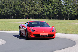 Pilotage de la Ferrari F458 - Sprint Racing - Circuit de Nevers Magny-Cours (58)