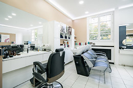 Coloration sans ammoniaque, shampoing et brushing chez LRJC Paris (75015)
