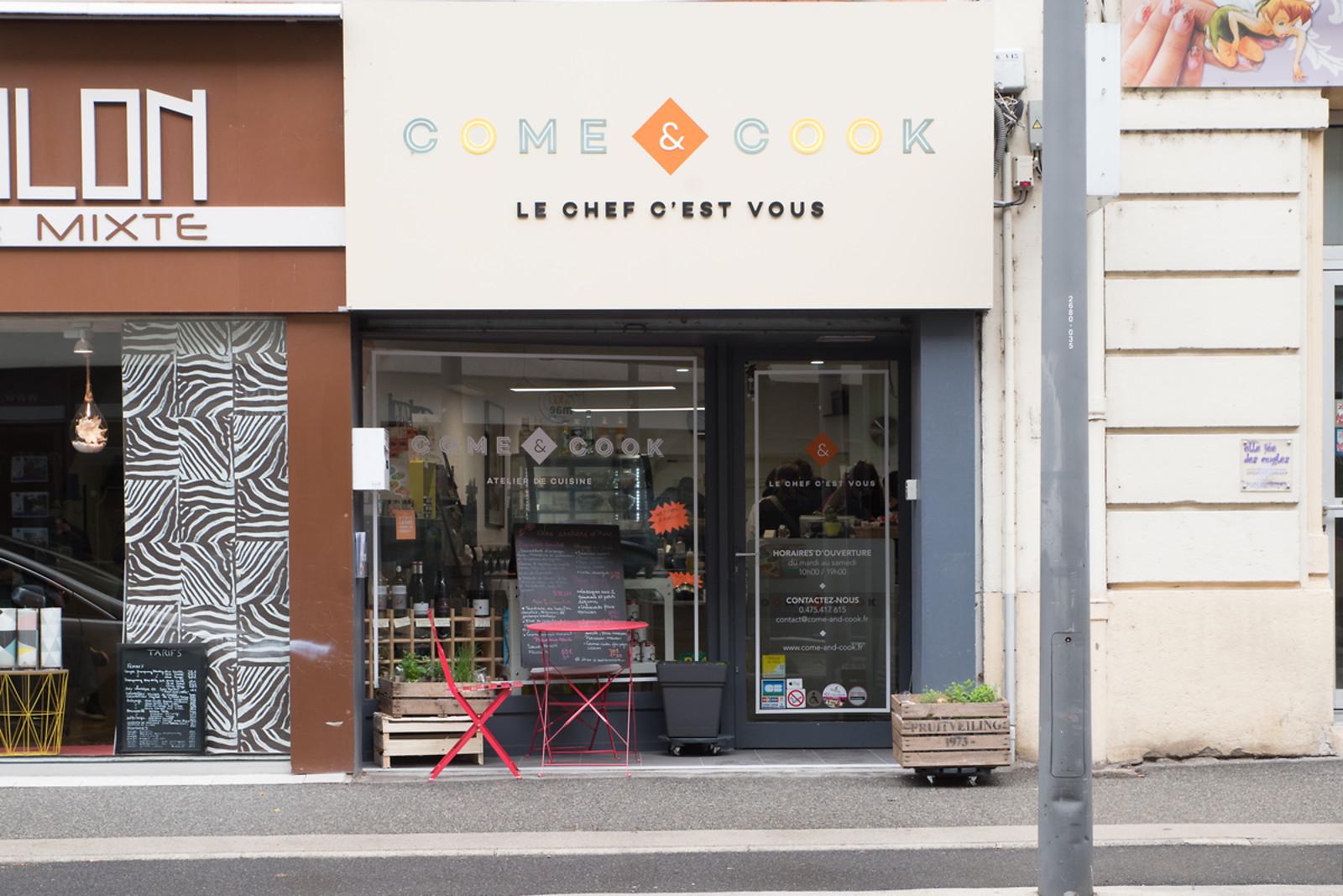 Cours de cuisine familial chez come and cook valence 26 for Wonderbox cours de cuisine