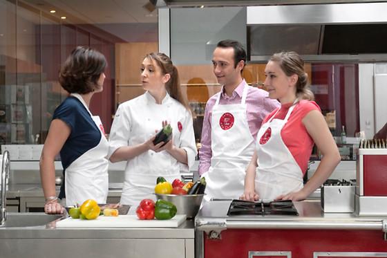 Un cours de cuisine l 39 atelier des chefs paris 75009 wonderbox - Cours de cuisine atelier des chefs ...