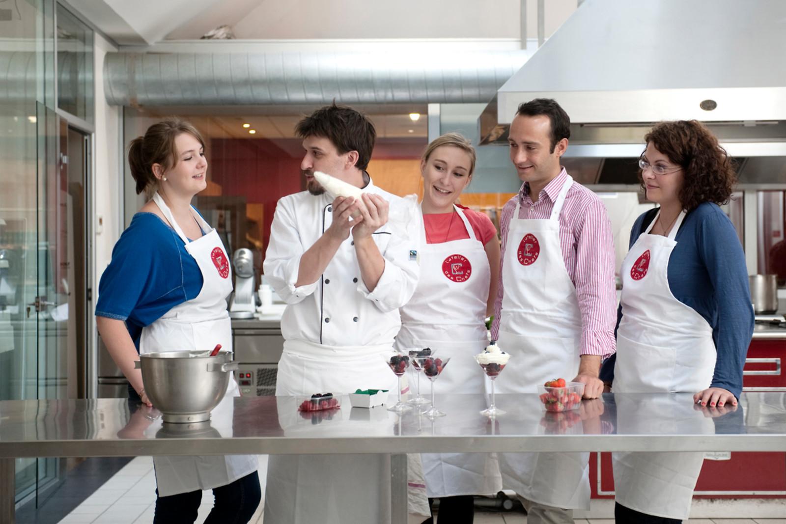 Un cours de cuisine l 39 atelier des chefs lyon 69 for Atelier cuisine lyon