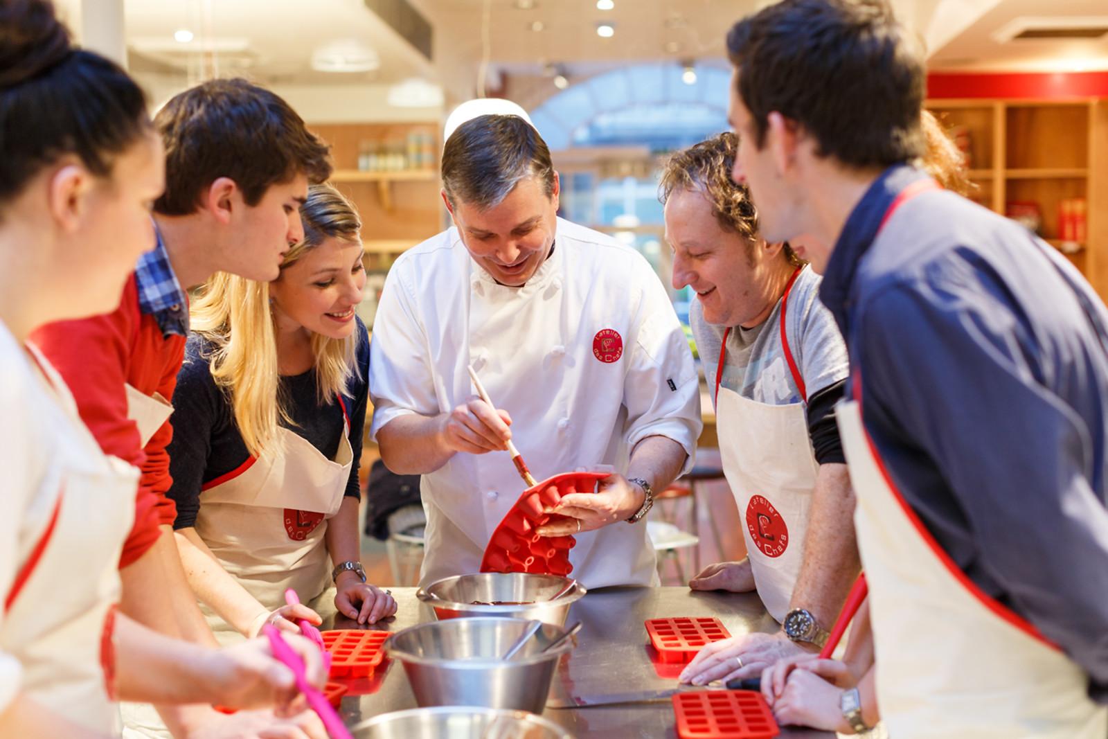 Un cours de cuisine l 39 atelier des chefs strasbourg 67 for Wonderbox cours de cuisine