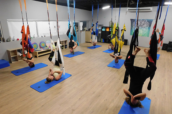 Séance de yoga aérien - Logan Fitness - Aix-en-Provence (13) - photo 2