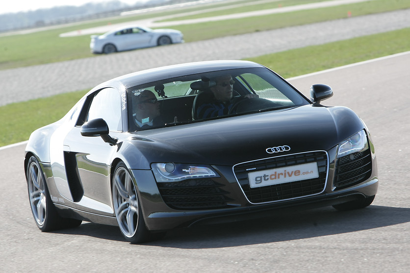 Pilotage d'une Audi R8 ou Nissan GTR - GT Drive - Circuit Paul Ricard Driving Center (83) - photo 1