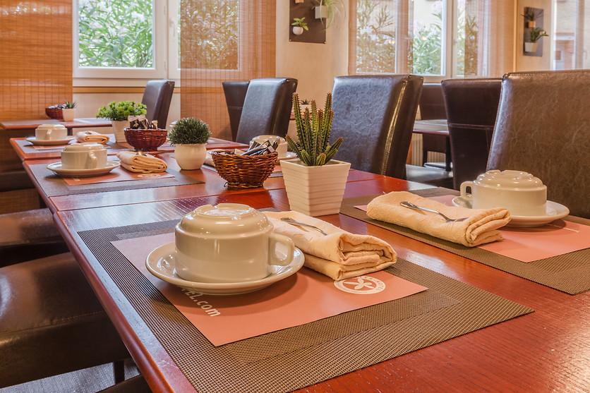 Une nuit albi l 39 h tel le cantepau 81 wonderbox - Restaurant la table du sommelier albi ...