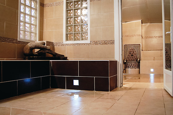 acc s au hammam les bains d 39 orient paris 75010 wonderbox. Black Bedroom Furniture Sets. Home Design Ideas