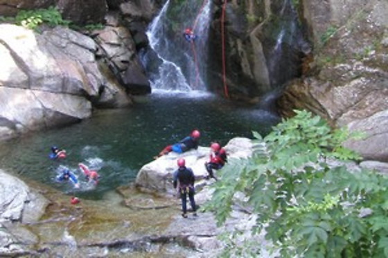 Session de canyoning pour 2 - Antipodes Sport Nature - Millau (12) - photo 2