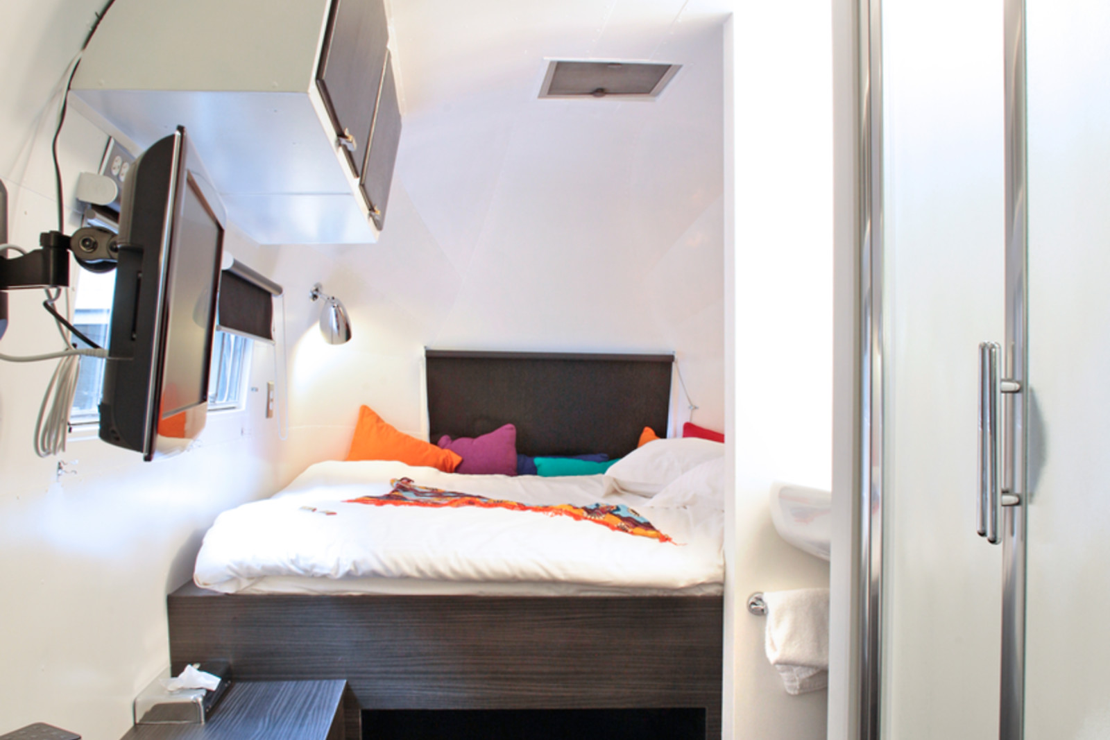 s jour 2 nuits en caravane de luxe pour deux au vintage. Black Bedroom Furniture Sets. Home Design Ideas