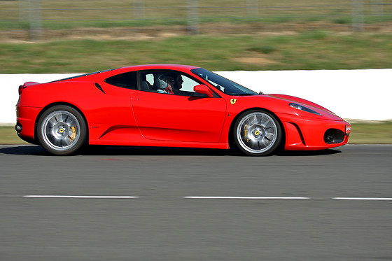 Pilotage d'une Ferrari F430 et d'une Porsche Cayman - Sprint Racing - Circuit Michelin de Ladoux (63) - photo 0