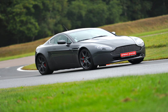 Pilotage de l'Aston Martin Vantage - Sprint Racing - Circuit des Ecuyers (02) - photo 1