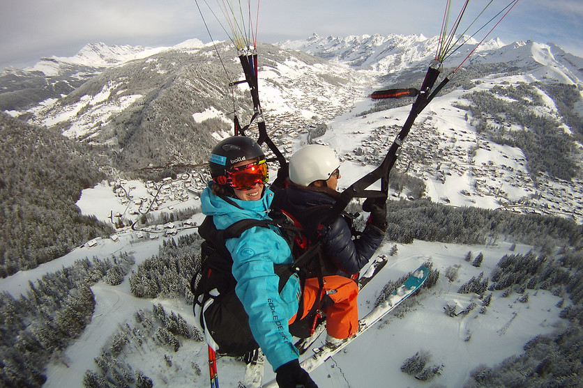 Vol en ski parapente - Takamaka - La Clusaz (74) - photo 0