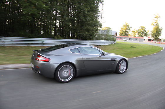 Pilotage de l'Aston Martin Vantage - Sprint Racing - Circuit des Ecuyers (02) - photo 2