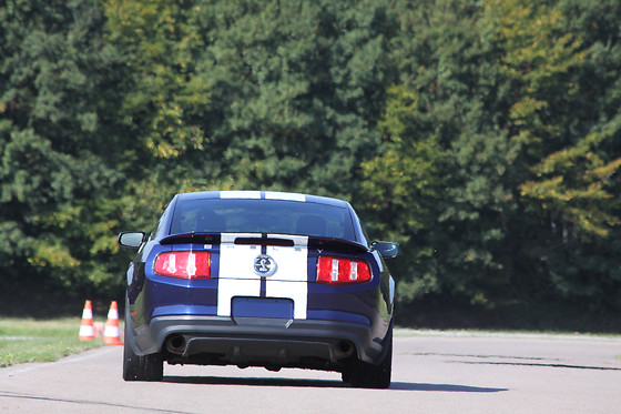 Pilotage de la Mustang Shelby GT500 - J-Cap Organisation - Grand circuit du Roussillon (66) - photo 4