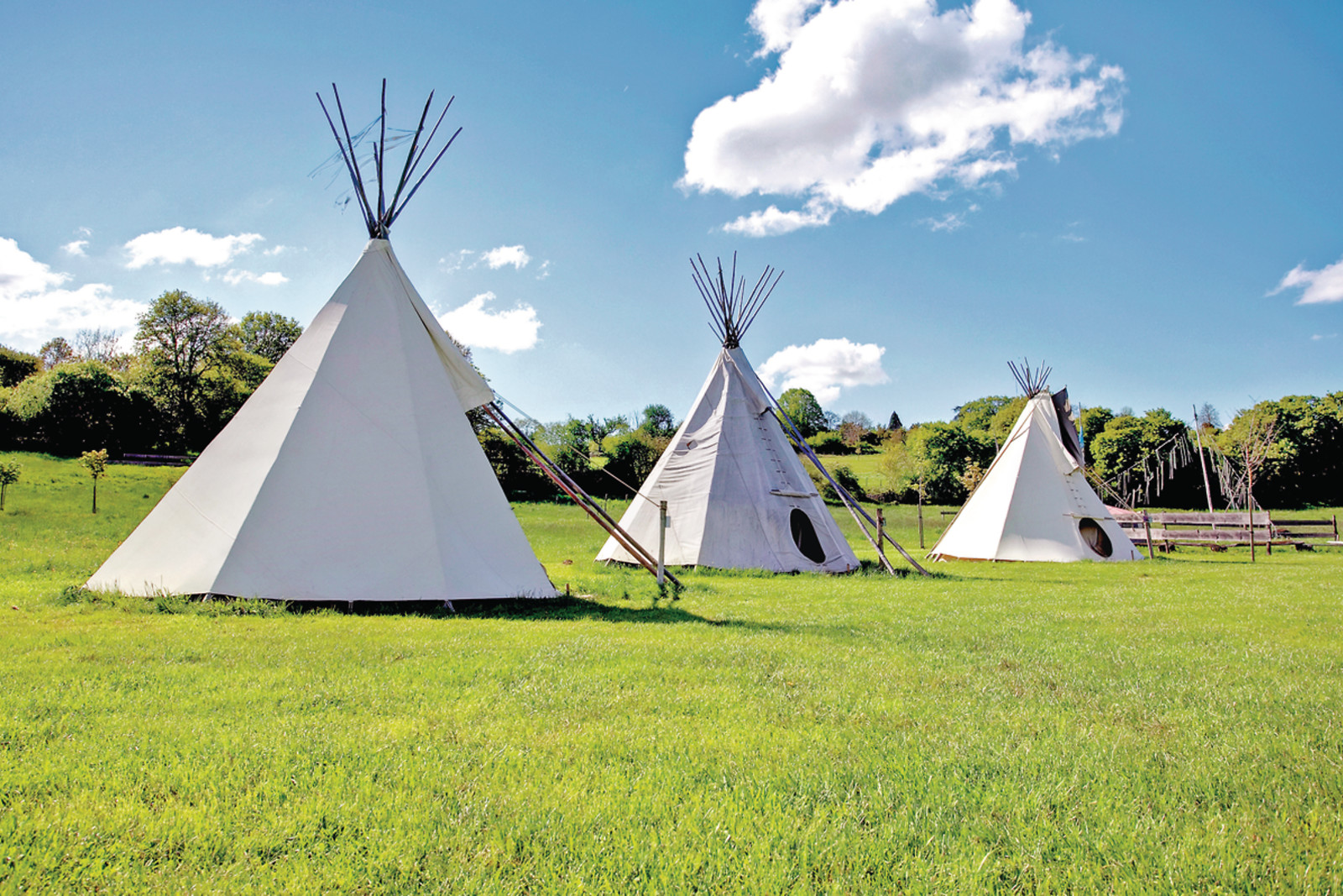 comment faire un tipi indien. Black Bedroom Furniture Sets. Home Design Ideas