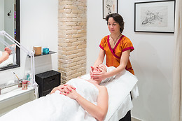 Un massage de la tête au Comptoir Zen Spa à Paris (75015)