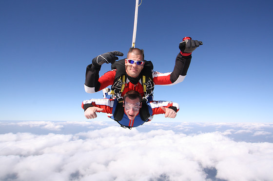 Saut en parachute en tandem - Skydive Center - Tallard (05) - photo 0