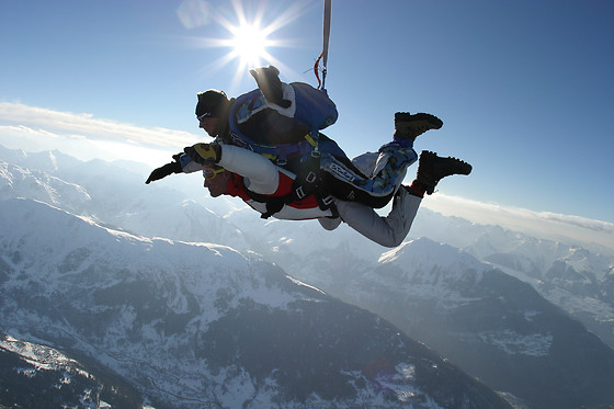 Saut en parachute en tandem - Skydive Center - Tallard (05) - photo 1