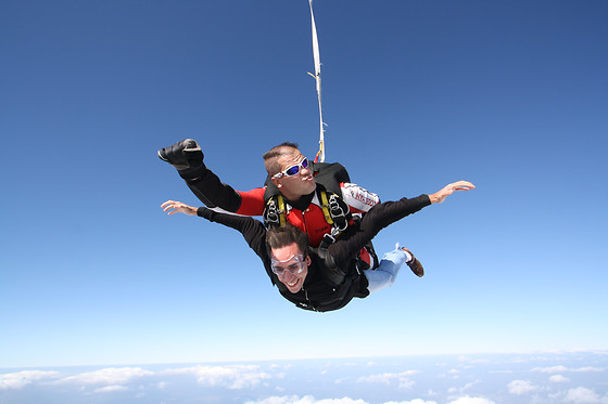 Saut en parachute en tandem - Skydive Center - Tallard (05) - photo 2
