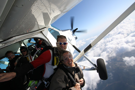 Saut en parachute en tandem - Skydive Center - Tallard (05) - photo 3